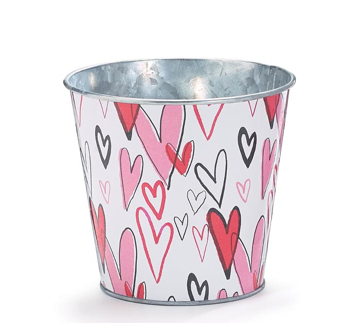 "4"" TIN POT COVER WITH GRAFITTI HEARTS"