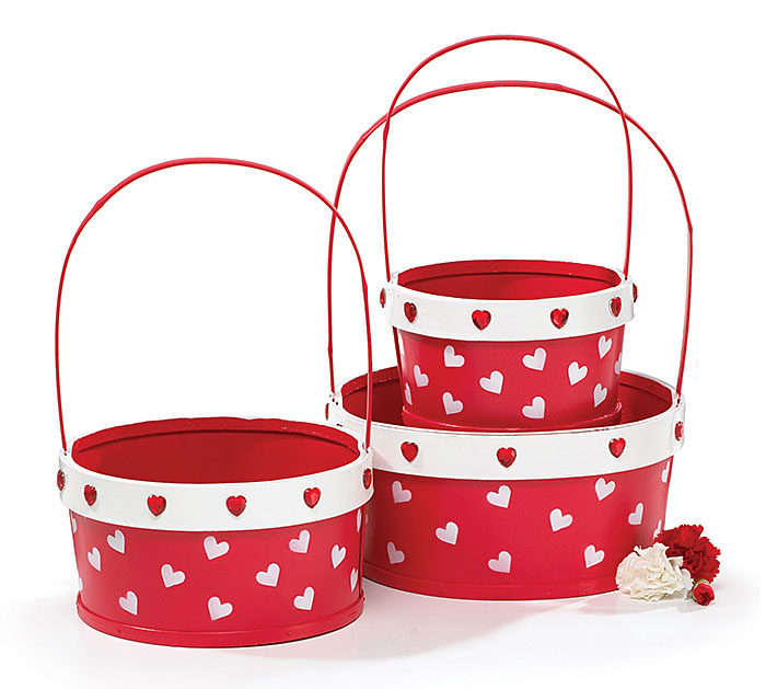 RED BASKET SET WITH PAINTED HEARTS/BEADS