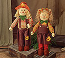 STANDING SCARECROW COUPLE