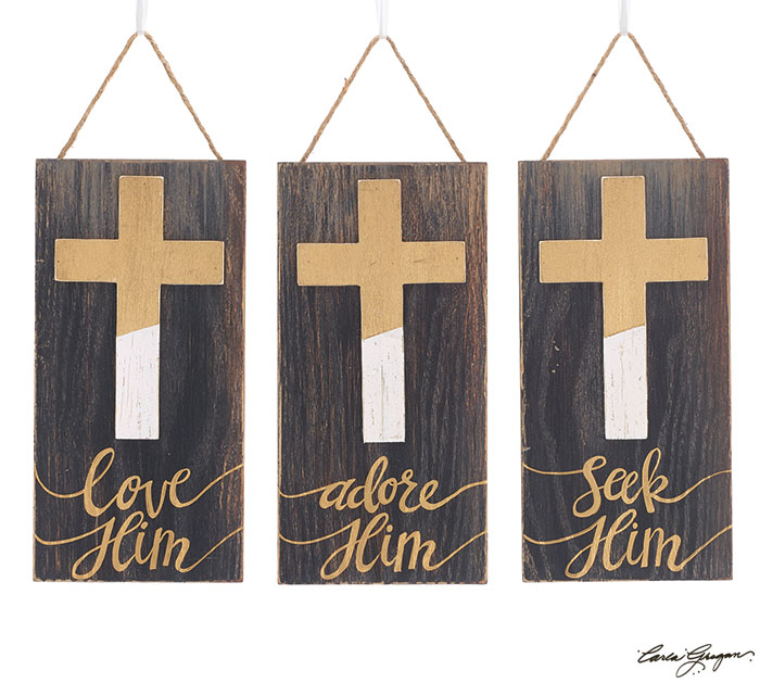DIPPED GOLD CROSS ON WOOD ORNAMENT SET