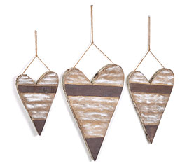 NATURAL DISTRESSED WOOD HEART DECOR SET