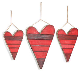 RED STRIPED WOOD HEART DECOR SET