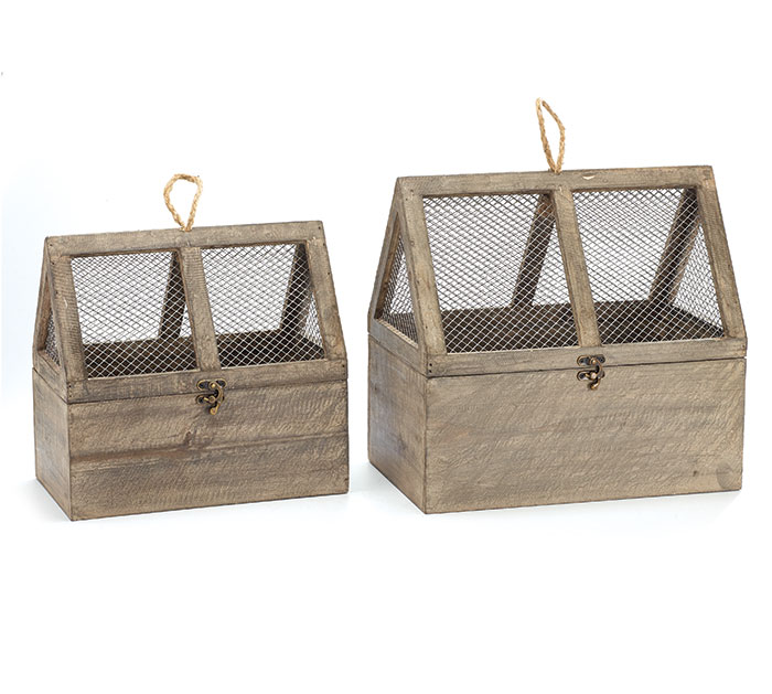 WOOD/TIN CHICKEN COOP NESTED SET