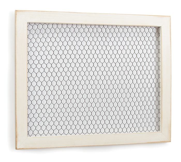 WOOD /CHICKEN WIRE FRAME WALL HANGING