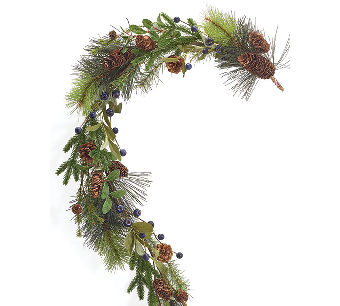 GARLAND WITH BLUEBERRIES AND PINECONES