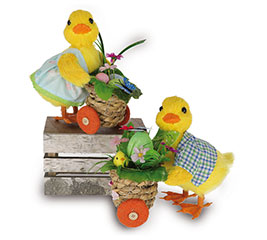 DECOR EASTER DUCK COUPLE WITH CARTS