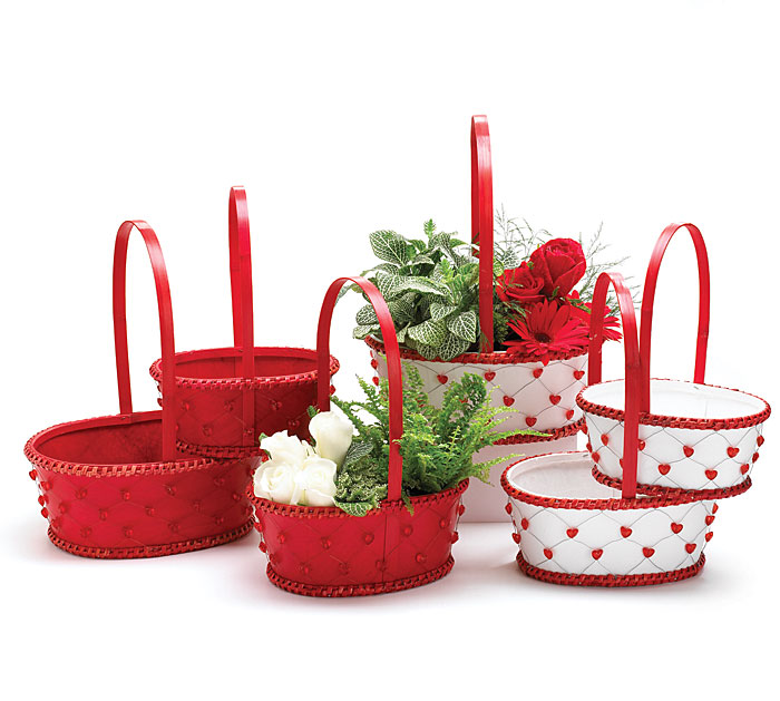 RED/WHITE BASKET SET HEART BEAD ACCENTS